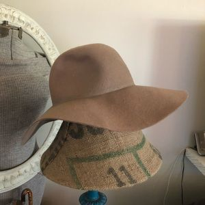 D&Y Wool Taupe Floppy Hat